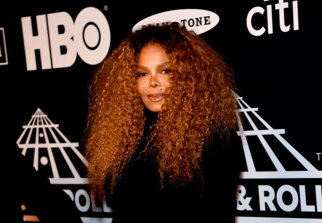 janet jackson with her hair down on the red carpet