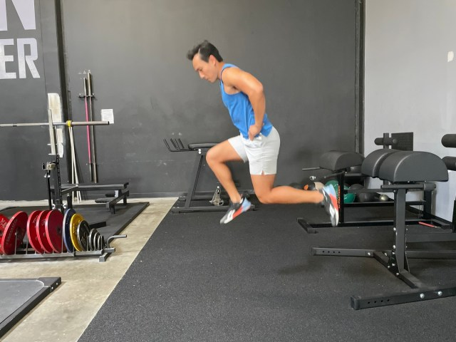 jump lunges